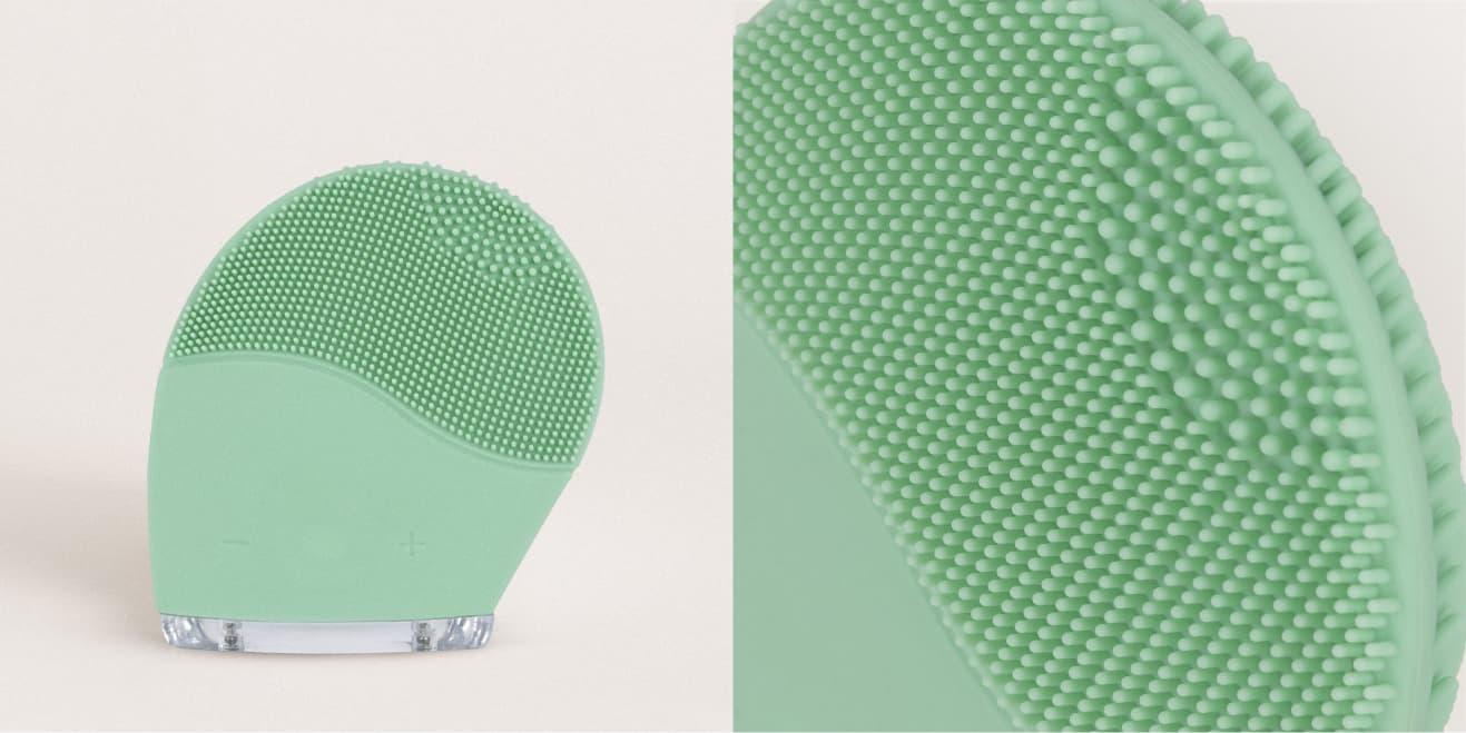 Spazzola per il viso in silicone e massaggiatore sonico